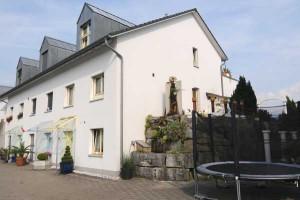 Eckhaus 8735 St. Gallenkappel